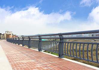 滨河防护栏